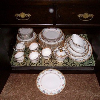 Set Of Bravarian Gchonwald Lamag China From the 1920's - China and Dinnerware