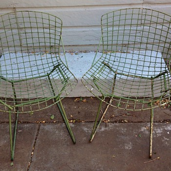 2 Authentic Knoll Bertoia Side Chairs Green Mid Century Modern