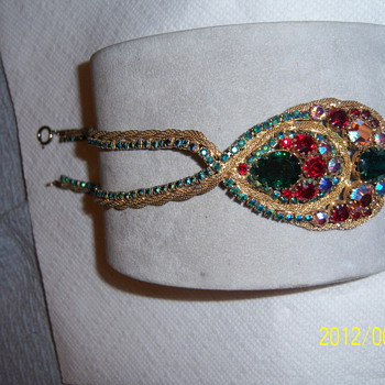what would be the proper clasp for this ?? - Costume Jewelry