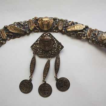 Vintage egyptian revival bracelet and brooch - Costume Jewelry