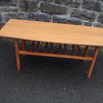 G Plan vintage retro all wood coffee table 126cm long with no worm and well cared for. - Furniture