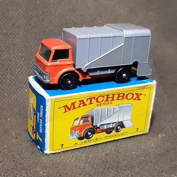 Moldy Mulch Mover Matchbox Monday MB7 Ford Refuse Truck - Model Cars