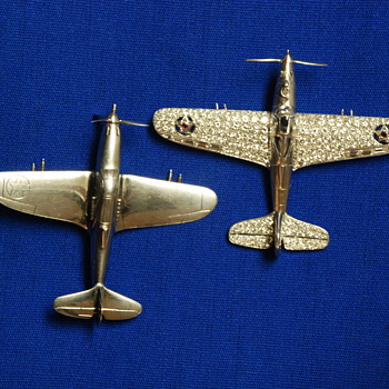 """LARRY BELL OF BELL AIRCRAFT -- SECRET P-39 AIRACOBRA BROOCHES IN """"TRUST"""" AT  S-F N BANK OF L.A. AND PALM BEACH, FLA.           - Fine Jewelry"""