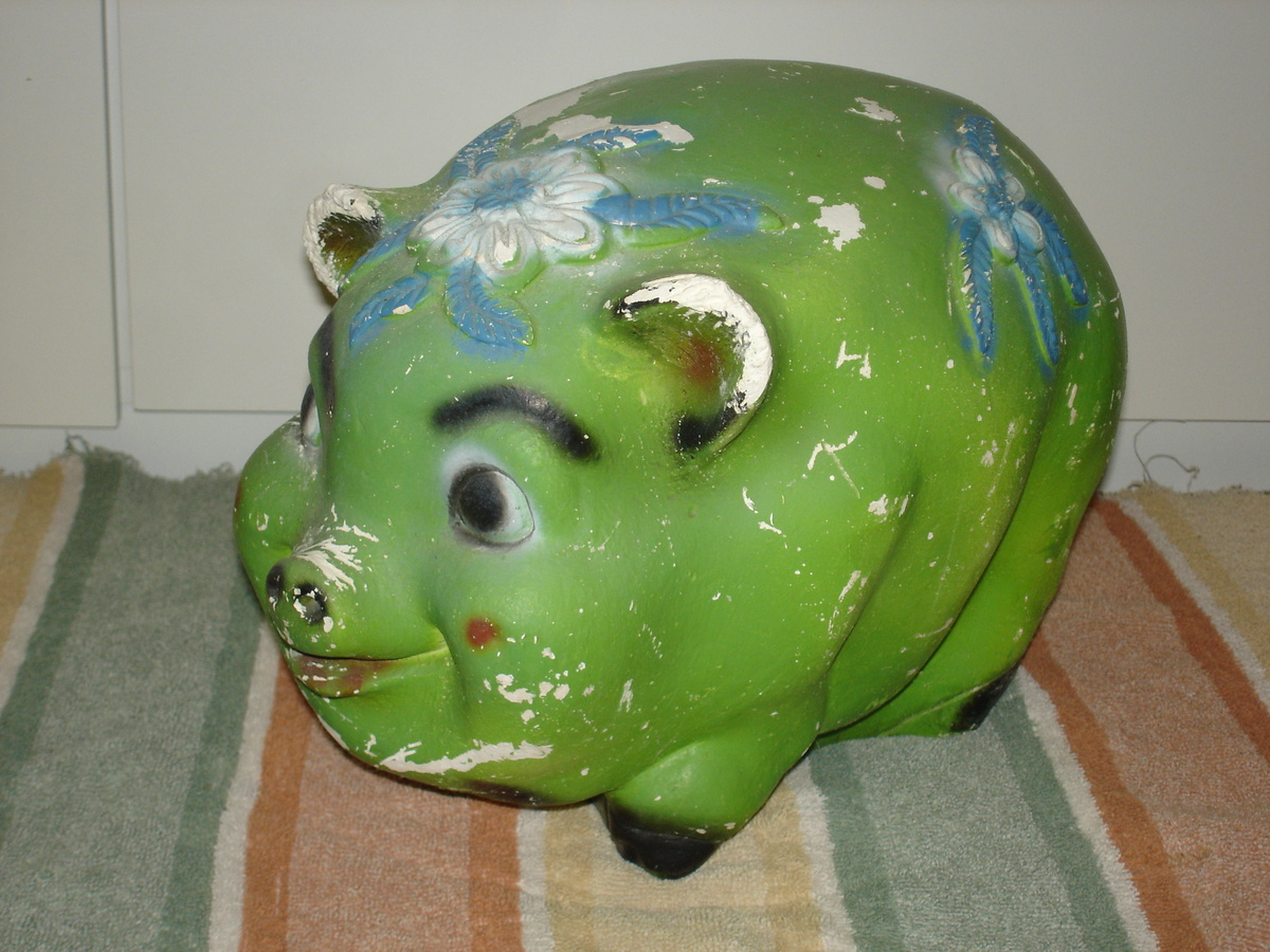 big vintage carnival chalk pig bank collectors weekly. Black Bedroom Furniture Sets. Home Design Ideas