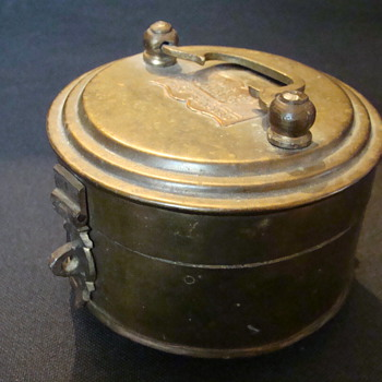 New Bedford 1762 Brass Tin #222 - Tools and Hardware