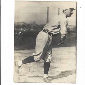 Can anyone recognize this baseball player??? - Photographs