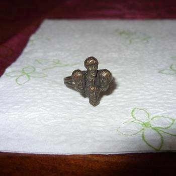 beatles ring - Costume Jewelry