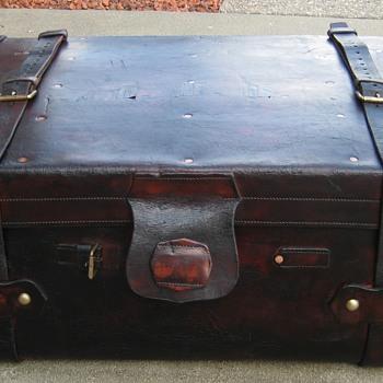 Edwardian Era English Leather Steamer Trunk - Furniture