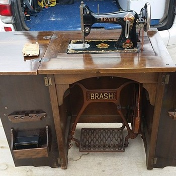 Brash? Sewing Machine - Sewing