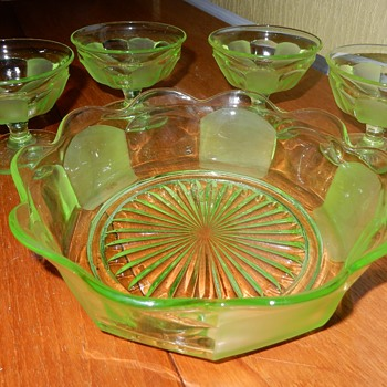 Sowerby Essex Uranium Bowl and Sundae dishes. - Art Deco