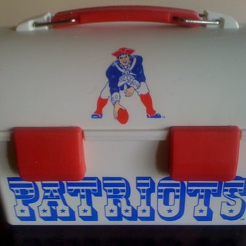 New England Patriot's Lunchbox with Original Team Logo - Football