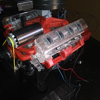 VISIBLE V-8 ENGINE MODEL KIT COMPLETED - Model Cars