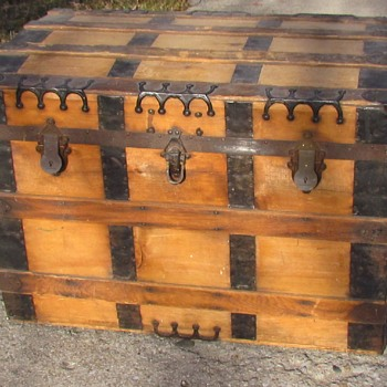 1880s Roll Top Trunk - Furniture