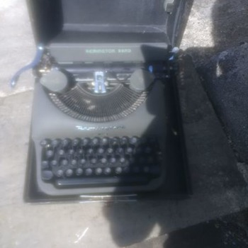 Remington Rand Amercian made Typewriter possibly 1940s - Office