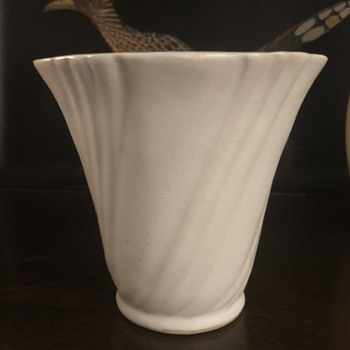 Pacific #829 small planter/vase - Pottery