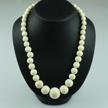 Old ivory necklaces - Fine Jewelry