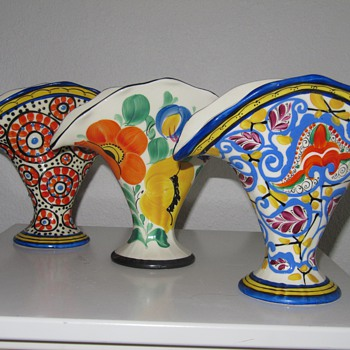 Czech fan vase - Pottery