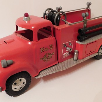1957 Tonka Toys Number 46 Suburban Pumper - Firefighting