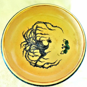Large Japanese pottery bowl hand painted