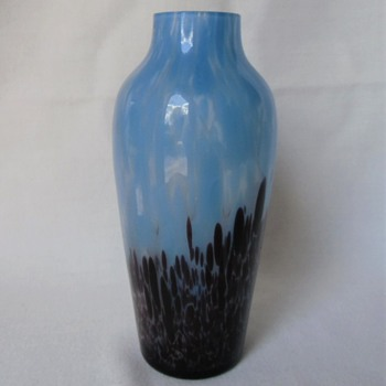 Surprise find, Ruckl blue spatter vase and familiar shape, and mark. Part 1 - Art Glass