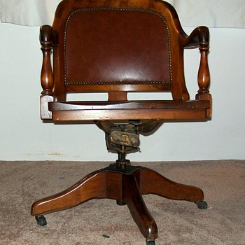ANTIQUE BANKERS CHAIR MARBLE & SHATTUCK - Furniture