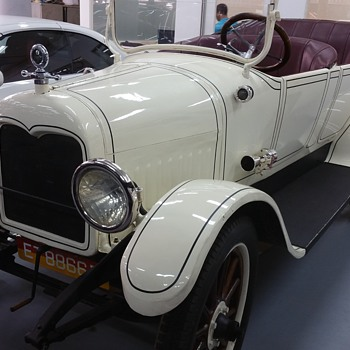 An old Morris car - Classic Cars