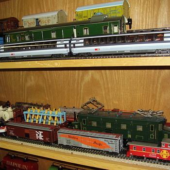 Some famous Marklin passenger HO cars. - Model Trains