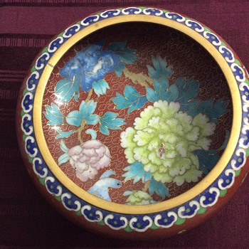 Pretty cloisonné bowl
