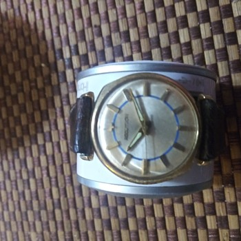 Bulova Accutron 14k solid gold. - Wristwatches