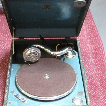 Odeon portable gramophone, my first machine - Records
