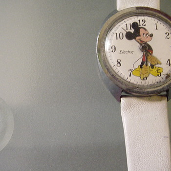 Vintage Mickey Mouse  Electric Watch  (Timex - Wristwatches