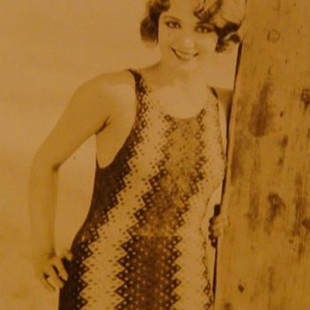 Original Photo Leila Hyams, Myrna Loy & Rin Tin Tin On Beach - Photographs
