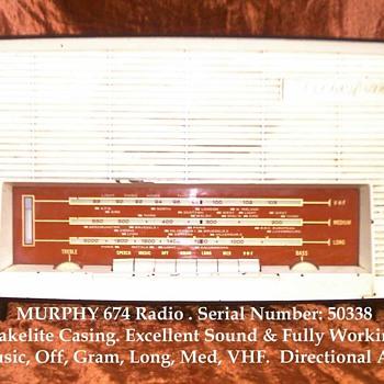 Murphy 674 Valve Radio - Radios