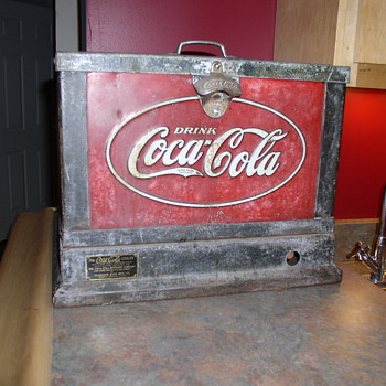 The Coca Cola Cooler made by Glascock in 1931 RARE Countertop Model - Coca-Cola