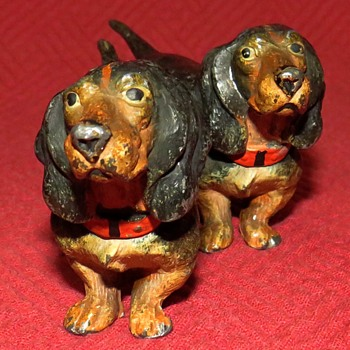 Vintage Pair Of Cold Painted Dachshunds - Animals