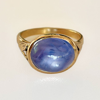 Edwardian 14k Ring with a 9 Carat Natural Color Change Star Sapphire - Fine Jewelry