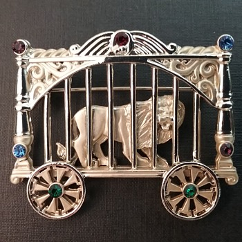 AJC circus lion in transport car brooch  - Animals