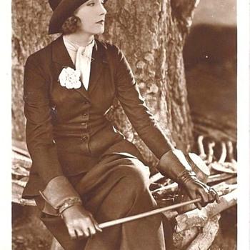 1928 GRETA GARBO MAILED POSTCARD - Postcards