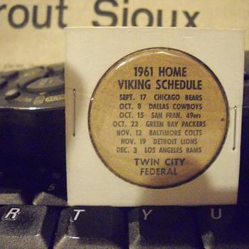 Wooden Coin 1961 schedules of Minnesota Golden Gophers - Football