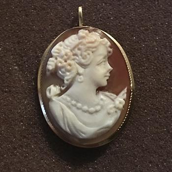 Antique 18KT 750 Italian Napoli Provence Cameo Pendant Brooch - Fine Jewelry