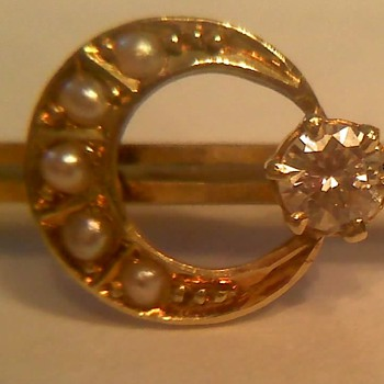 Gold Pin  - Fine Jewelry