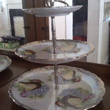 Tiered serving platter?
