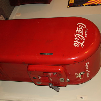 Old 10 cent Coke Machine - Coca-Cola