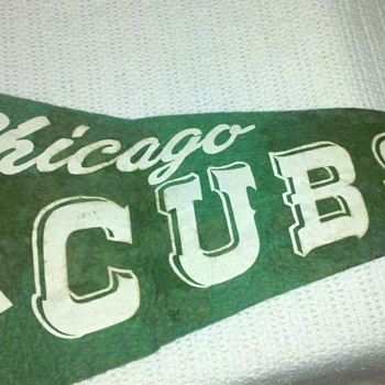 Vintage Chicago Cubs Green Pennaant