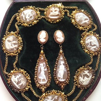 The most fabulous boxed cameo set - Victorian Era