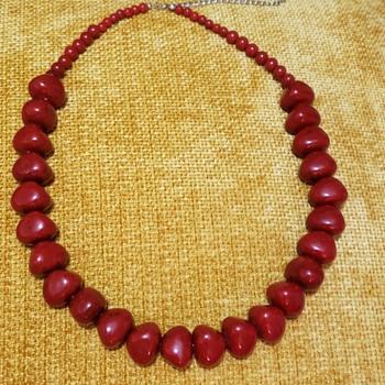 Seeking the Plastics bead experts! - Costume Jewelry