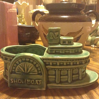 Green Showboat Planter  - Pottery