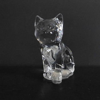 Molded glass cat - Art Glass