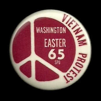 4 Anti Vietnam War Protest Pinback Buttons 1965 - 1970 - Medals Pins and Badges