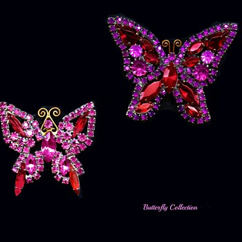 Beautiful vintage Flutterby brooches - Costume Jewelry